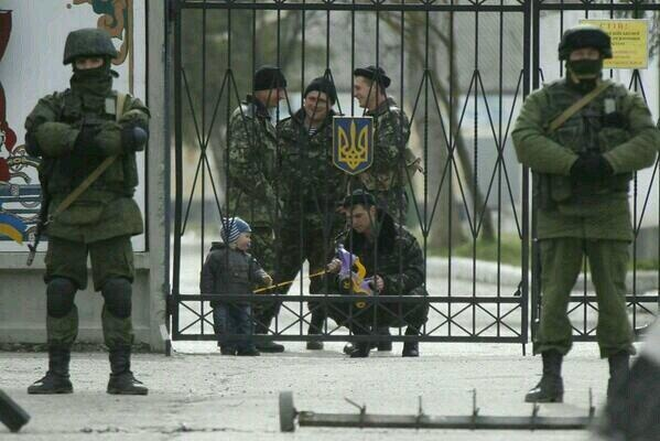 Хроніки окупації Криму: героїчний марш полковника Мамчура - фото 11