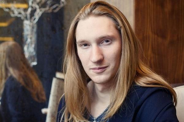 """Учасник """"Євробачення"""" від Білорусі залишився без переднього зуба - фото 1"""