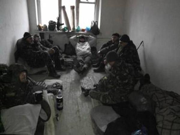 Справжні солдати. Юрій Семчук: Серед озвірілих істот людьми залишилися коти - фото 11
