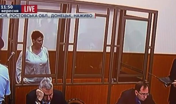 Надія Савченко заговорила російською, щоб суд її почув - фото 1