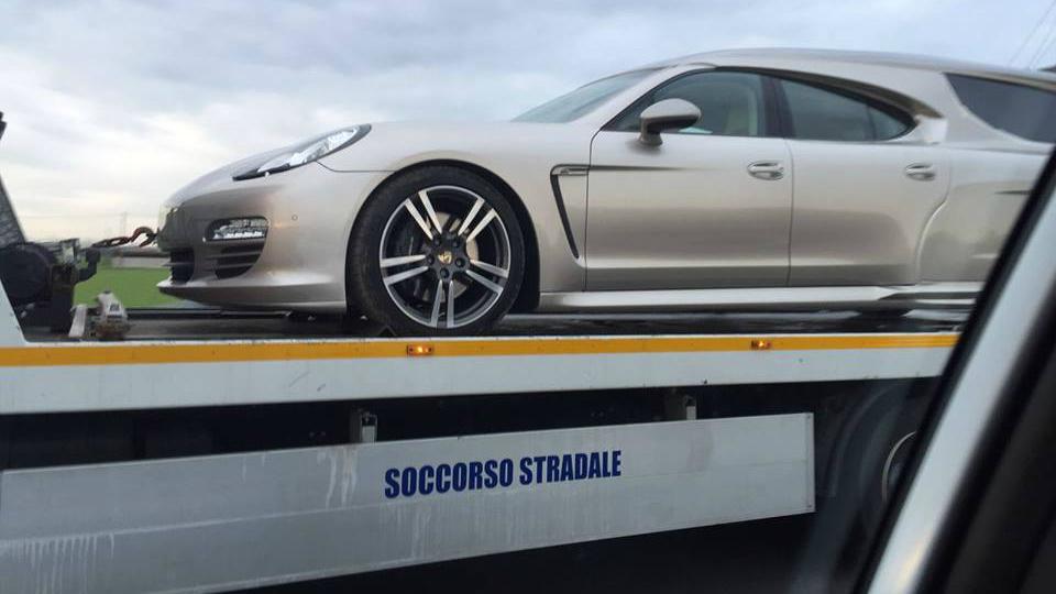 Porsche Panamera перетворили на катафалк - фото 2