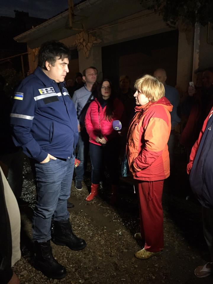 Саакашвілі прямо з калюжі запевнив, що на Одещині все під контролем - фото 2