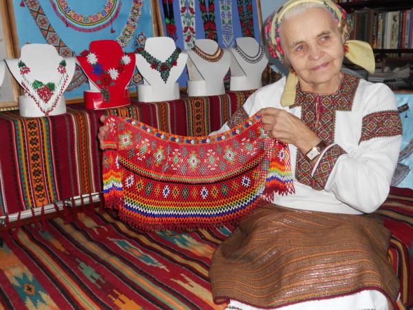 Які комірці з бісеру носили лемківські жінки - фото 5
