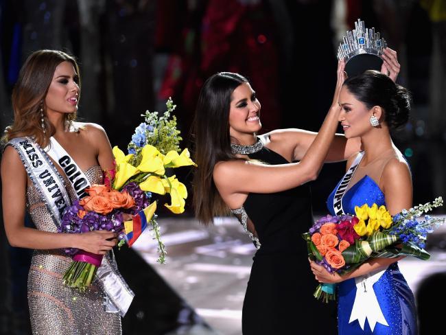 """Як колумбійку позбавляли корони """"Міс Всесвіт"""" - фото 2"""