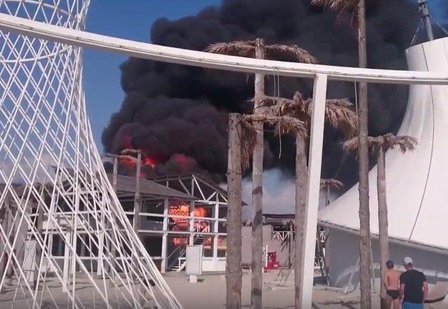 """""""Республіка"""" в """"республіці"""": кому вигідна пожежа в """"КаZантипі"""" - фото 7"""
