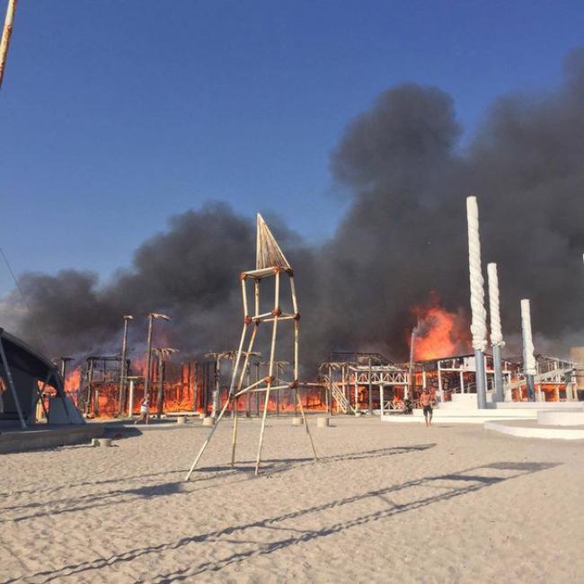 """""""Республіка"""" в """"республіці"""": кому вигідна пожежа в """"КаZантипі"""" - фото 6"""