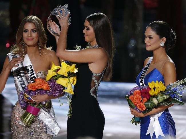"""Як колумбійку позбавляли корони """"Міс Всесвіт"""" - фото 1"""