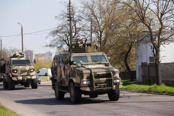 """В Одесі підрахували, скількіки бійців """"Азову"""" прибуло до міста - фото 2"""