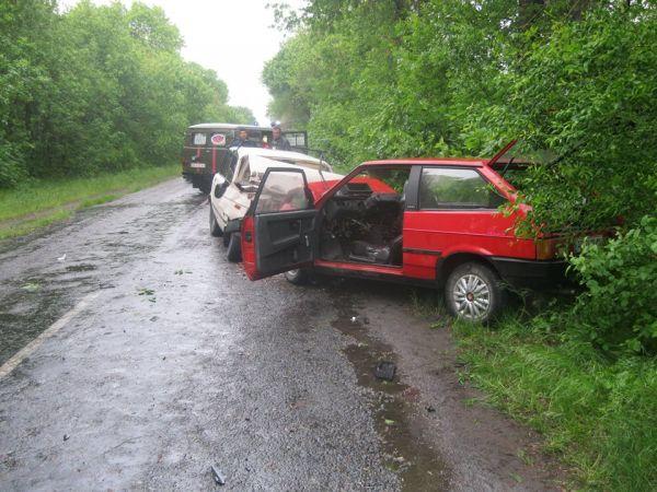 В п'ятницю 13 в лобовій аварії загинули двоє водіїв - фото 1