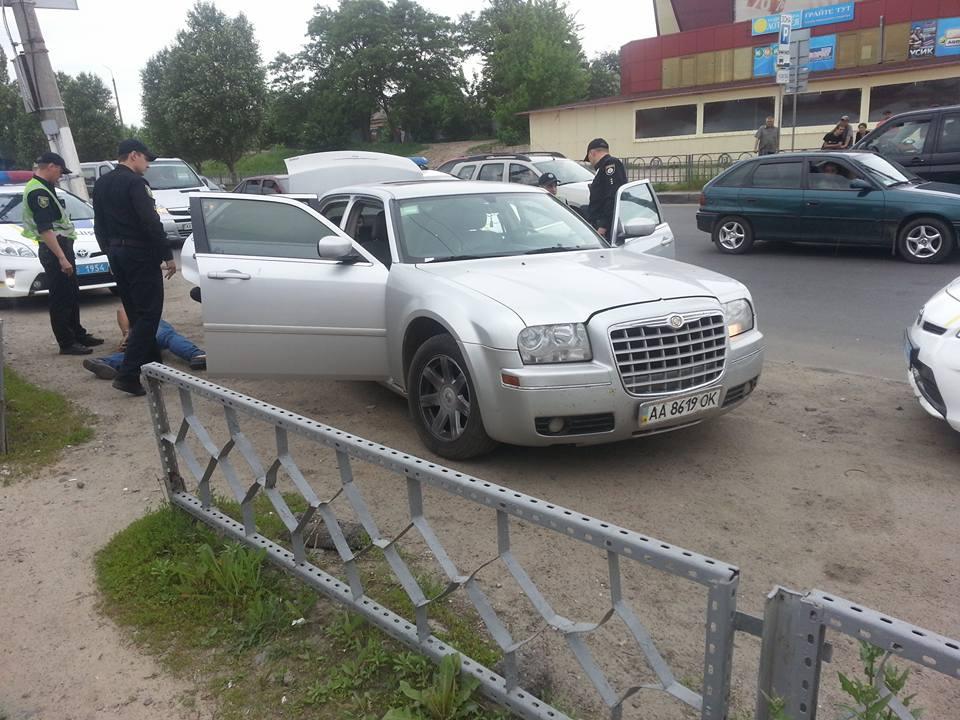 У Харкові поліцейські вчинили погоню: ловили викрадачів (ФОТО) - фото 1