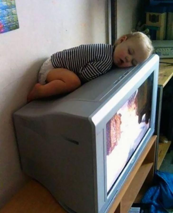 35 кумедних доказів того, що діти можуть заснути де завгодно - фото 10