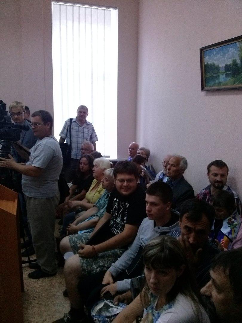 У Харкові в Апеляційний суд не доставили підозрювану в сепаратизмі комуністку  - фото 2