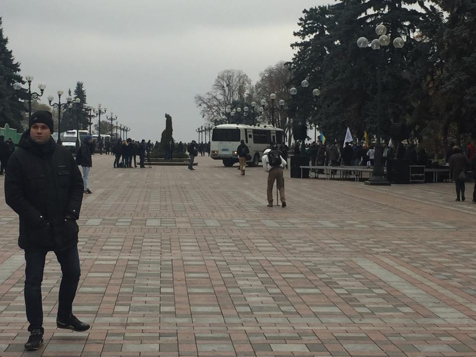 УКРОПівці почали пікетували Раду - фото 3