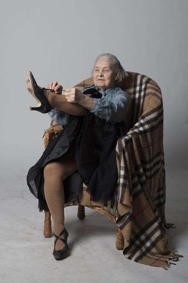 Як киянка у 91 рік відчуває себе красивою та позує ню (18+) - фото 4