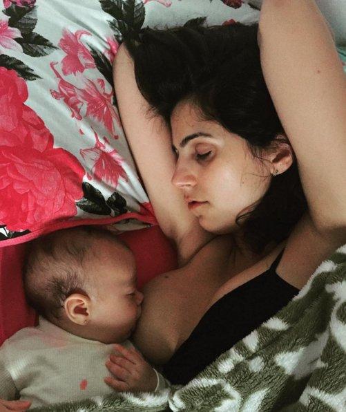 Як бразильський депутат годувала дитину грудьми під час промови у парламенті - фото 2