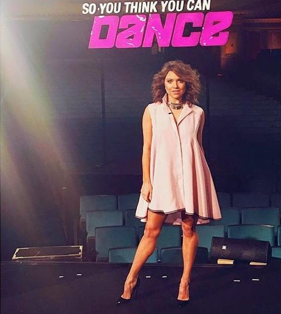 Американська зірка з'явилась та ТБ у сукні українського дизайнера - фото 1