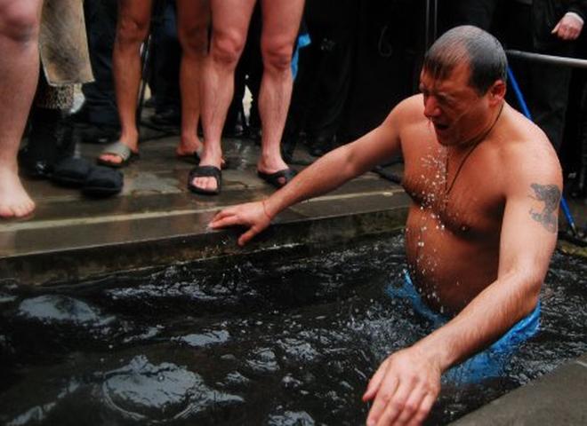 Як політики мочили голе тіло в ополонці - фото 7