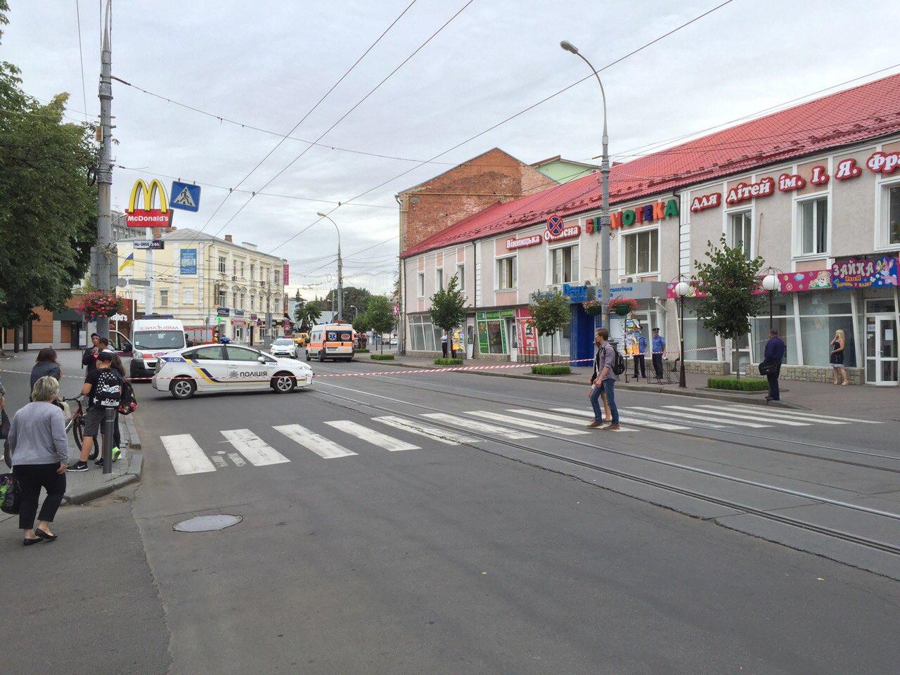 В готелі у центрі Вінниці шукають вибухівку - фото 6