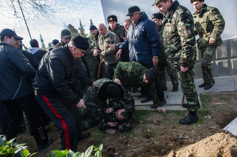 Хроніки окупації Криму: вбивство українського військового та похорон закатованого активіста - фото 10
