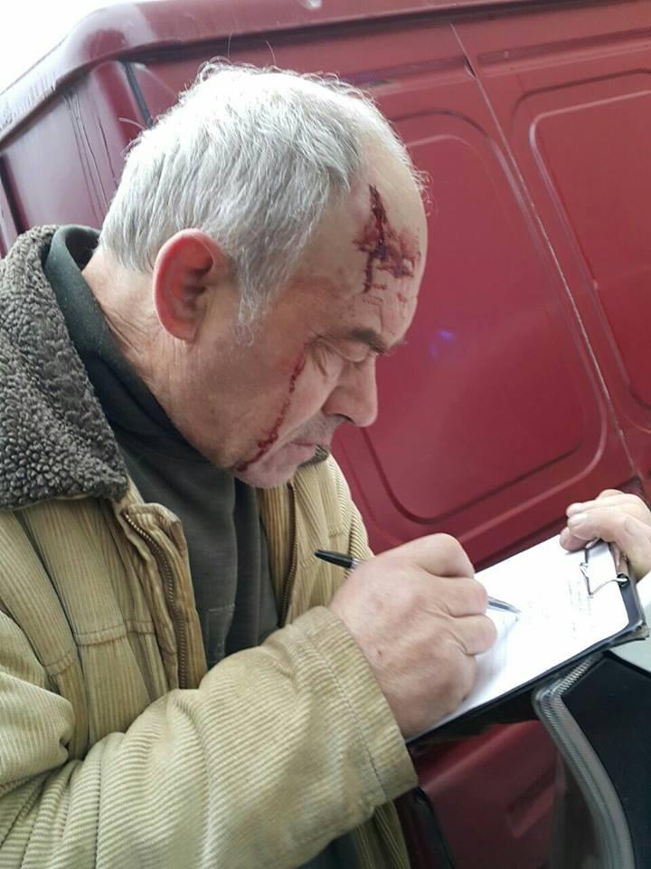 У Львові водій припаркувався, як олень, і розбив голову свідку - фото 1