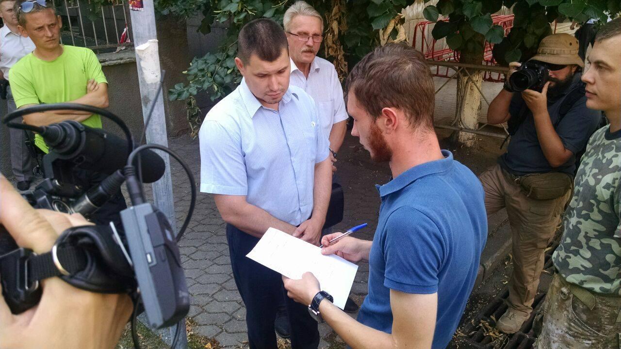 Парасюк і Семенченко вимагають амністію у президента - фото 2