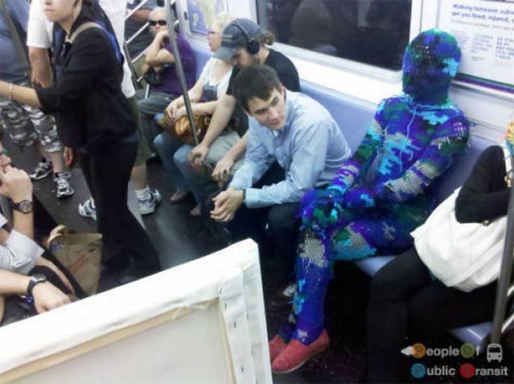 35 неймовірних диваків у метро - фото 8