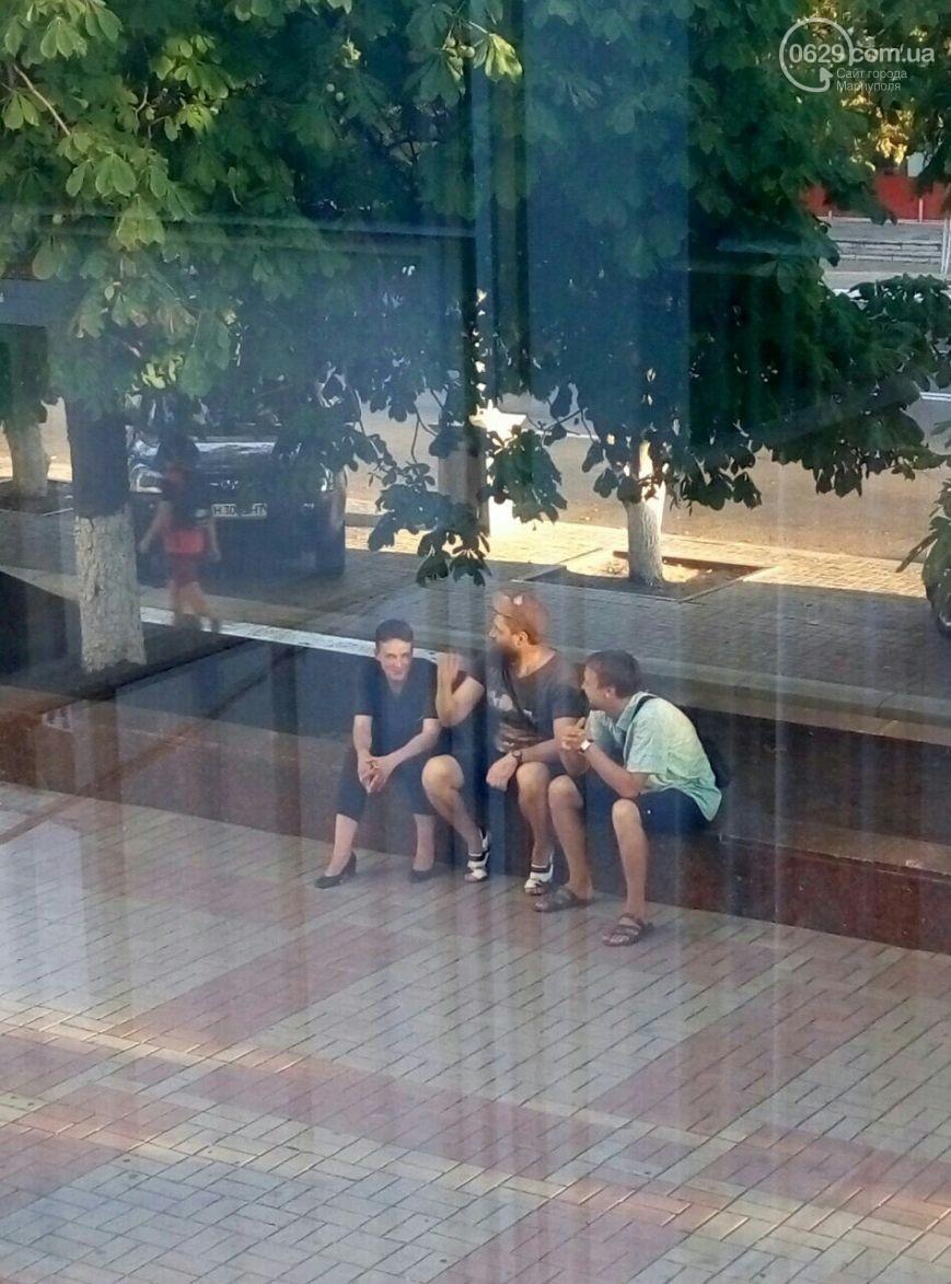 Савченко навідалась до Маріуполя  - фото 1