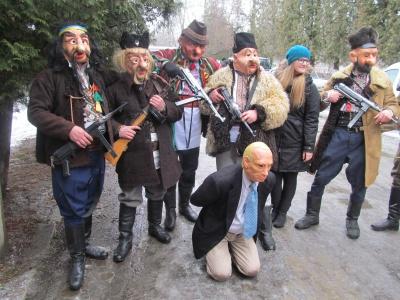 """Як на Буковині """"бендерівці"""" страчували Путіна - фото 1"""