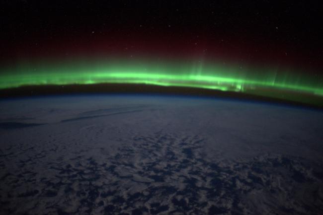 Як виглядає з космосу полярне сяйво - фото 1