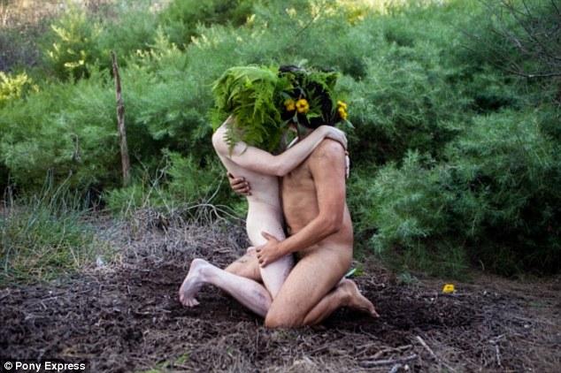 Як австралійці практикують сексуальні ігрища з травою - фото 1