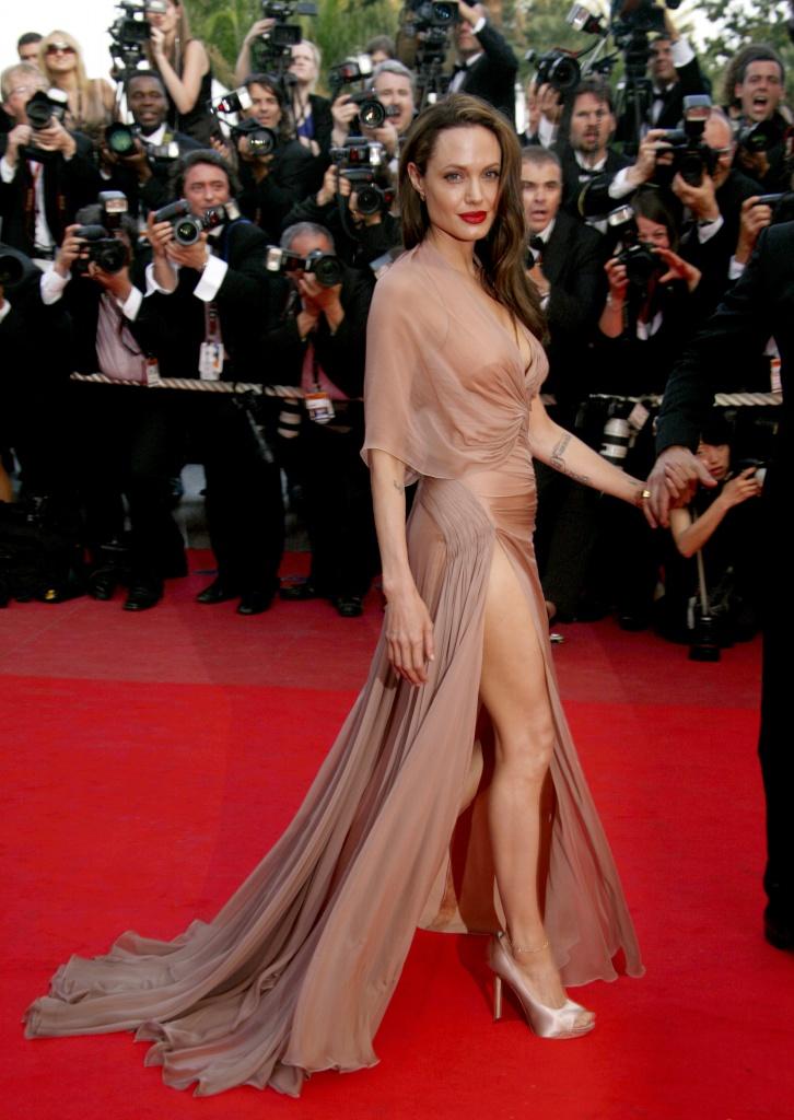Кожній країні по Анджеліні: Як виглядають двійники Анджеліни Джолі - фото 18