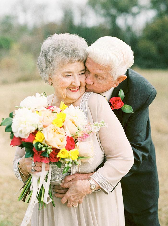Пара, яка зробила першу весільну фотосесію через 63 роки, підірвала інтернет - фото 1