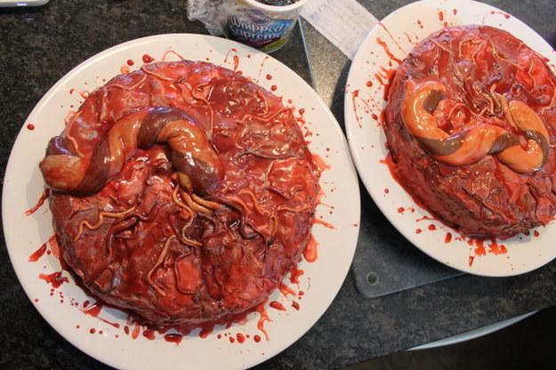 30-річна медсестра підірвала інтернет огидними тортами  - фото 2
