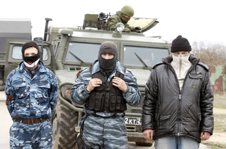 Хроніки окупації Криму: харчова паніка та ганебна присяга в масках - фото 8