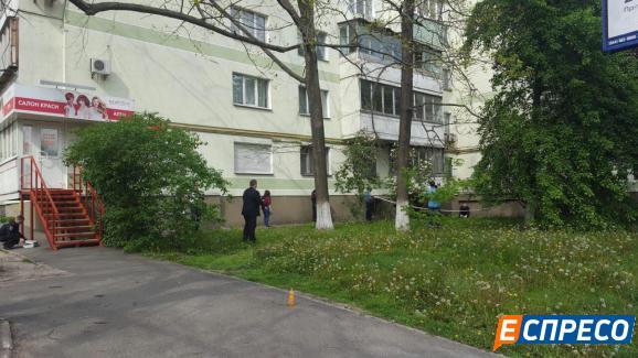 У Києві журналіст викинувся з вікна - фото 2
