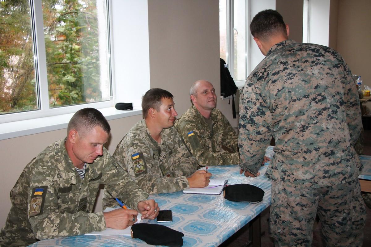 У Миколаєві морпіхів навчають лідерству іноземні інструктори