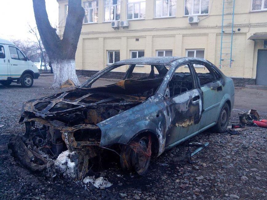 Неизвестные сожгли машину директораКП «Плесо»