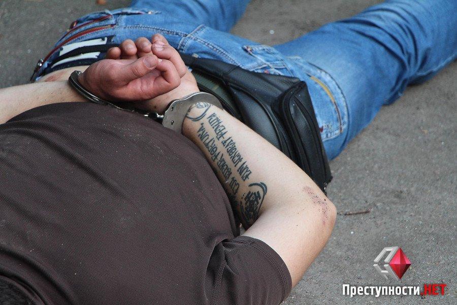 """У Миколаєві АТОшники з """"Правого сектору"""" нападали на таксистів та викрадали авто - фото 2"""