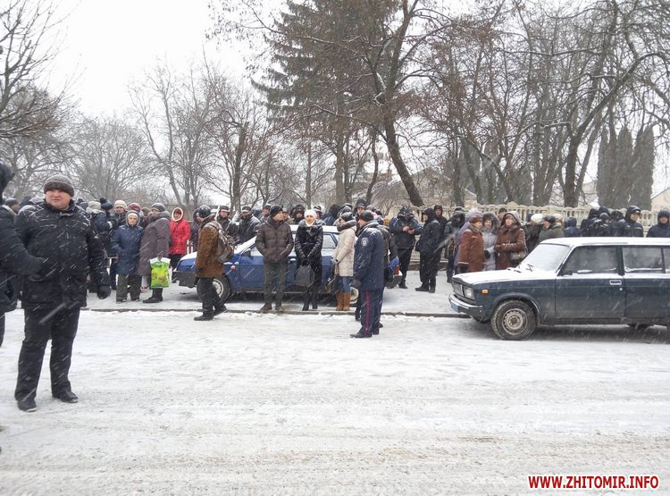 Житомирську кондитерську фабрику оточили нацгвардійці - фото 7