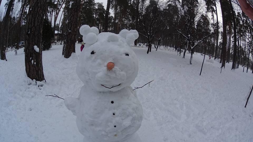 Красені і чудовиська: ТОП-10 оригінальних сніговиків - фото 7