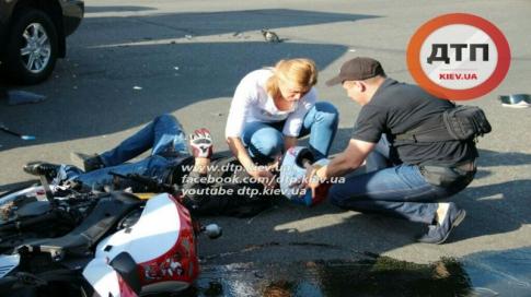 Біля столичного вокзалу на мотоциклі розбився екс-зять Блохіна (ФОТО) - фото 3