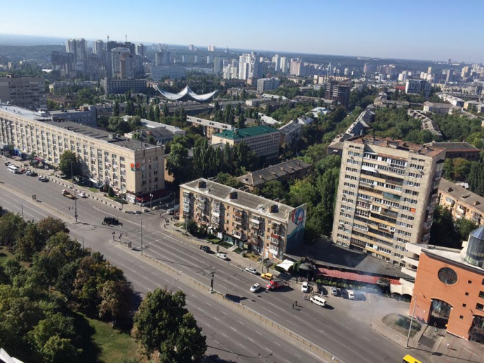 У центрі Києва СБУ провела навчання: перекрили дорогу, стріляли - фото 1