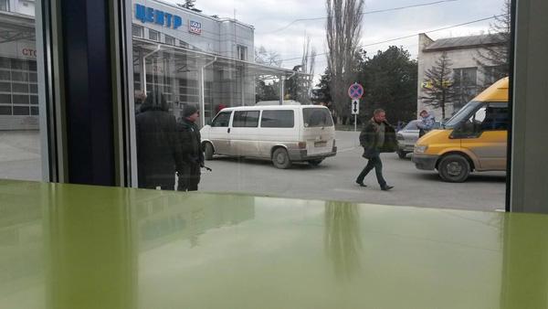 Хроніки окупації Криму: обстріл українського літака і вторгнення в Чонгар - фото 1