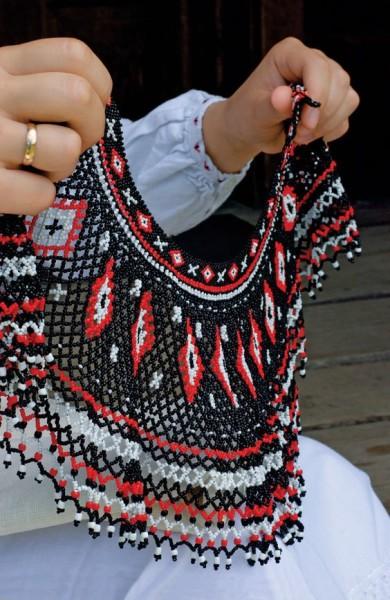 Які комірці з бісеру носили лемківські жінки - фото 3