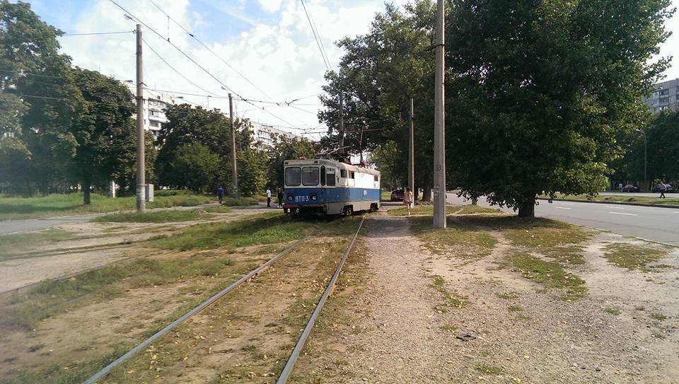 """У Харкові """"дрифтанув"""" технічний трамвай  - фото 2"""