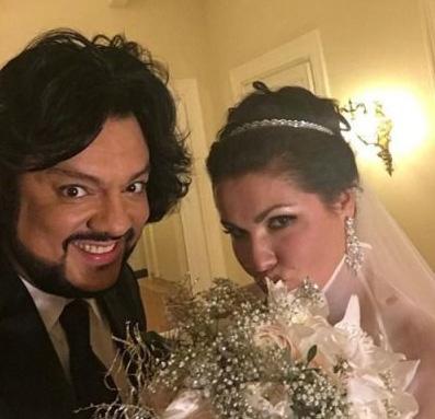 """Як фанатка """"Новоросії"""" Нетребко разом з Кіркоровим весілля справляла - фото 2"""