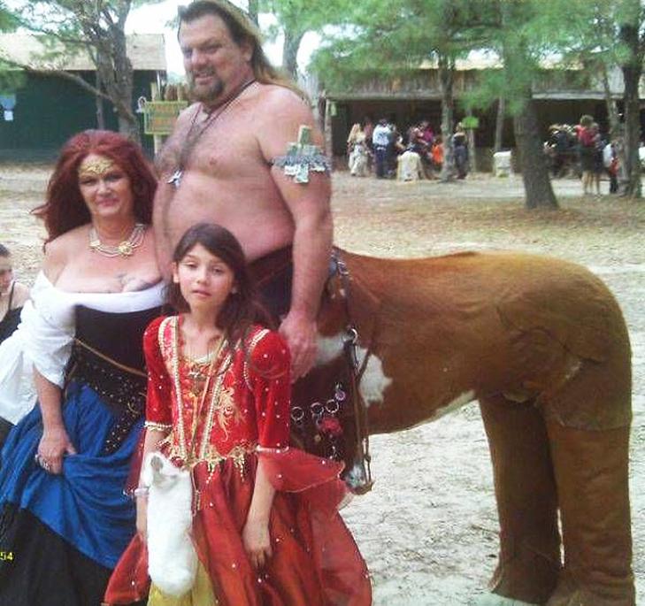 35 дуже дивних сімейних фото - фото 19