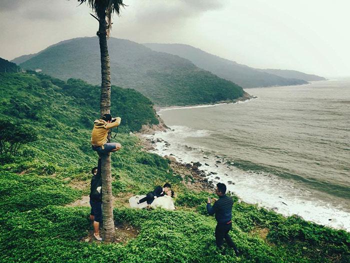 ТОП-8 весільних фотографів, яким доводиться лізти в багнюку і під спідницю - фото 6