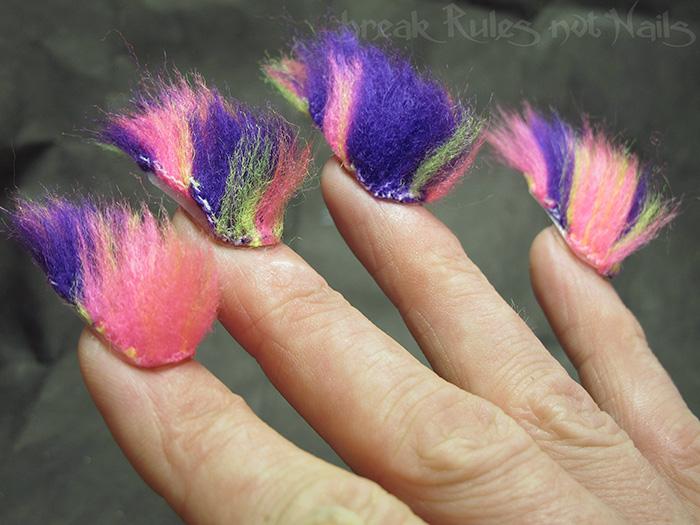 """""""Волохаті"""" нігті стають головним трендом цього року  - фото 5"""