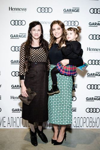 Абрамович з дружиною вперше вийшов у світ з 2-річною донькою  - фото 1